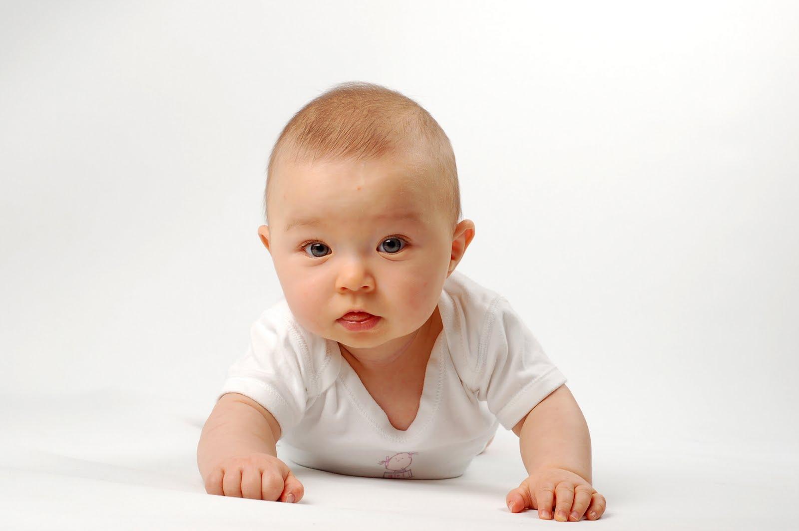 q hacen los bebes de 4 meses